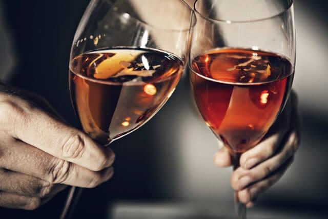 「お酒婚」の評判は?お酒好きな男女が集まるオンライン結婚相談所を徹底調査!