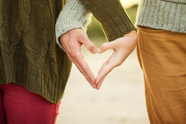 フェリースで恋人が出来た人たちの体験談